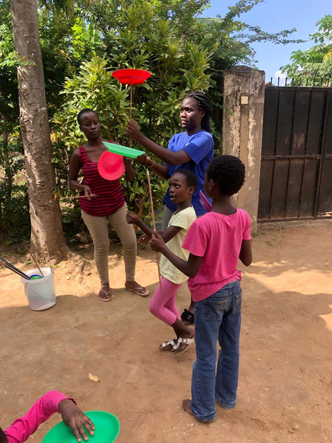 Circus Hannes in Mombasa –  project samen met S2S – Foster Parents House: DCC – 1 oktober 2020